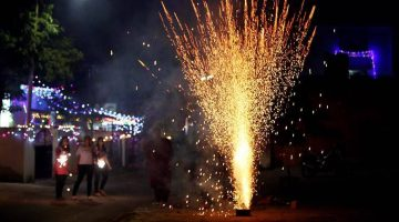 Complete Ban on Bursting, Sale of Firecrackers Up to Jan 1, 2022 in Delhi